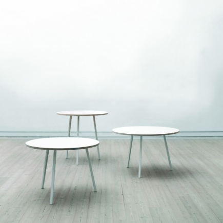 LOOP STAND ROUND TABLE galerie 1